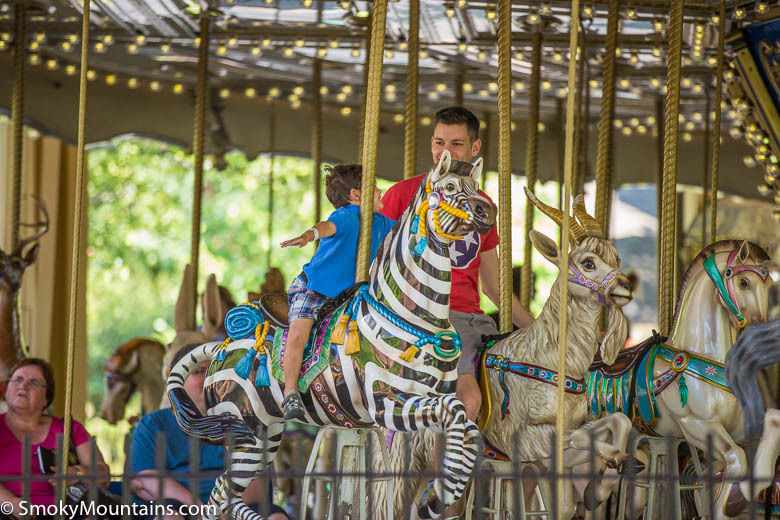 Dollywood-Carousel-Sevierville4.jpg